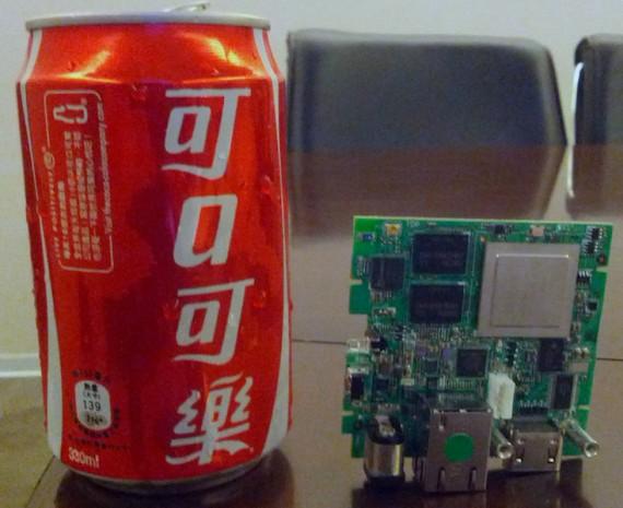 OUYA PCB neben einer Cola-Dose (Quelle: kickstarter.com)