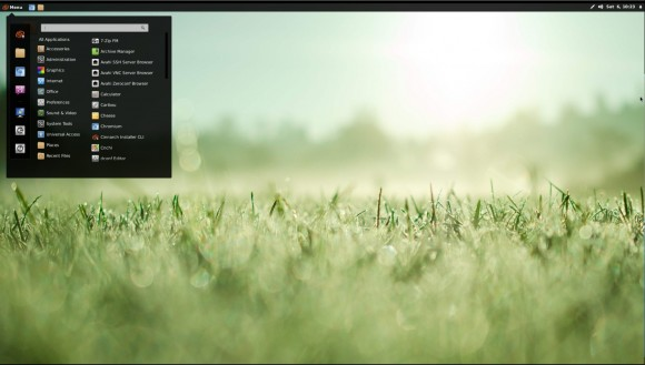 Cinnarch 2013.04.05: Desktop und Menü