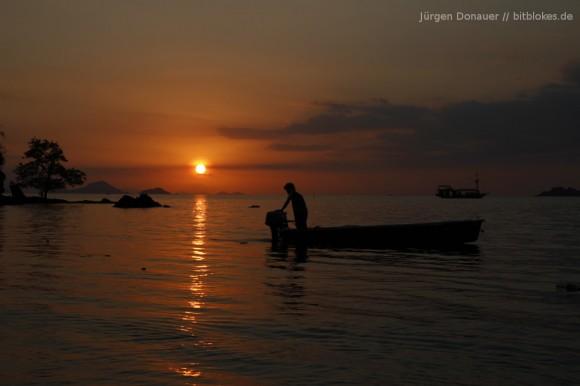 Sonnenuntergang vom Hotel-Pool aus betrachten