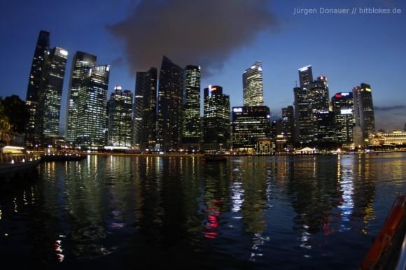 Singapurs Skyline: Gar nicht so einfach ohne Stativ
