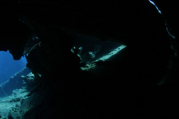 Ghiannis D: ohne Licht