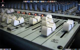 AV Linux 5.0 Desktop (Quelle: remastersys.com)