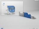 Linux Mint 12 KDE Desktop