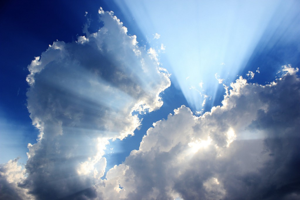 Below Clouds (kobinho)