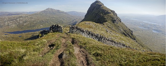 The rather useless wall on top of the Suilven