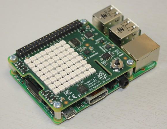 Raspberry Pi mit Sense Hat (Quelle: raspberrypi.org)