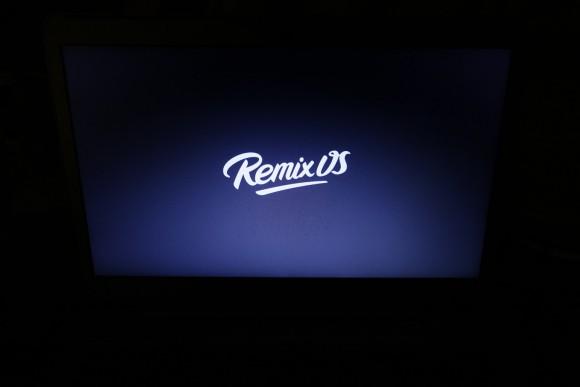 Das Remix OS Logo habe ich beim ersten Start lange gesehen