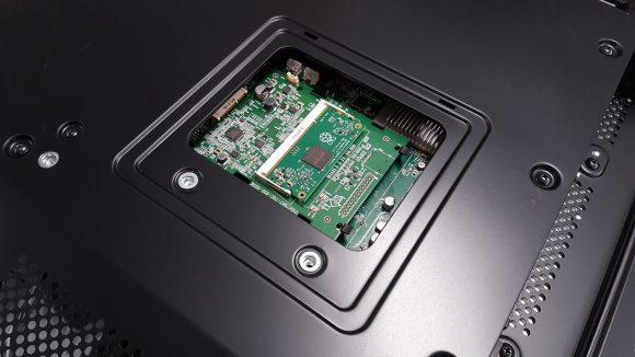 NEC-Bildschirm mit Steckplatz für Compute Module 3 (Quelle: raspberrypi.org)