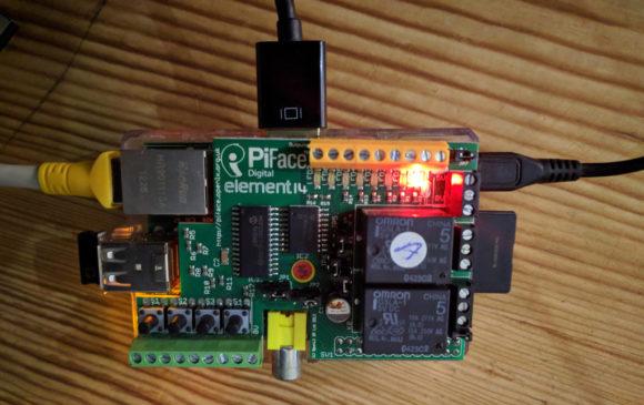 Ich schalte ein Nachtlicht mit einem PiFace Digital und einem Raspberry Pi B via Astral