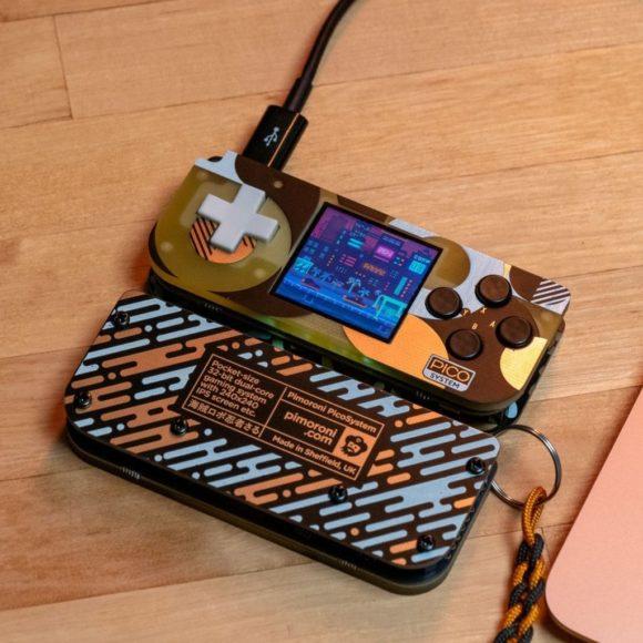 PicoSystem – die tragbare Spielekonsole basiert auf Raspberry Pi Pico (Quelle: pimoroni.com)